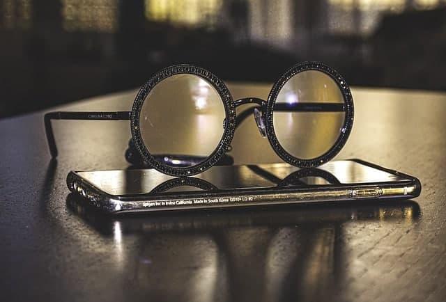 Occhiali da vista sul tuo smartphone